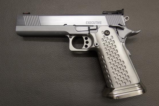 "STP Executive 5"" Kaliber .45 ACP Pistole"