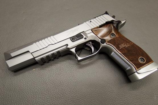 SIG Sauer P226 X-Six Classic 9mm Luger Pistole MADE IN GERMANY