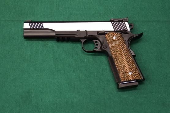 CLUB 30 Pistole Mod. 1911 6.0 .45Auto mit Picatinny Schiene