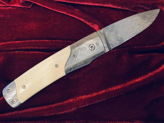 DNC Messer Lion II Mammutelfenbein, Klinge: Damast, Scrimshaw Garvur