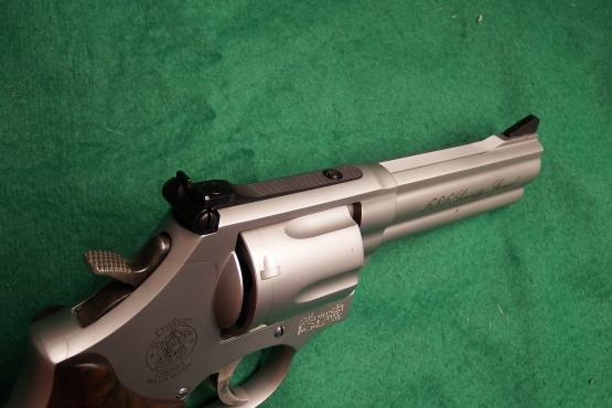 """Smith & Wesson 686 Security Special 4"""" Kaliber .357 Magnum"""